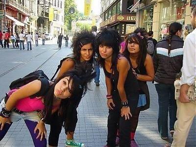 Apaçi Kızlar