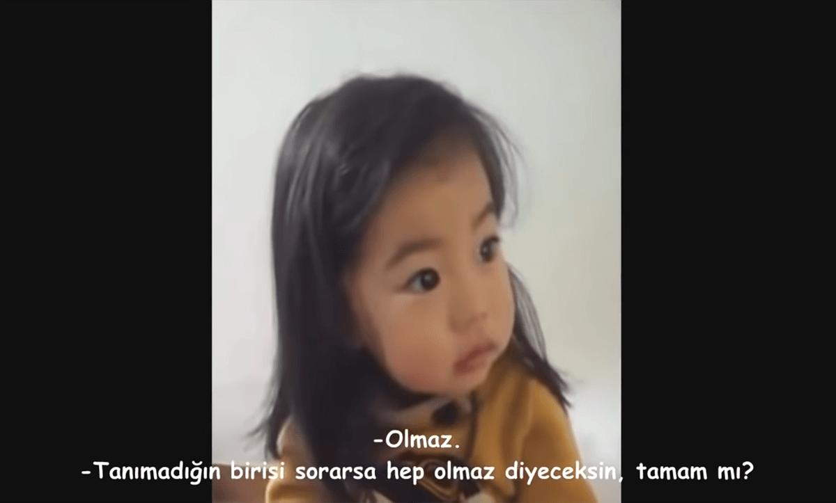 Koreli Küçük Kız