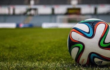 Türkiye'de Futbol ve Üç Büyütülmüşler Üzerine
